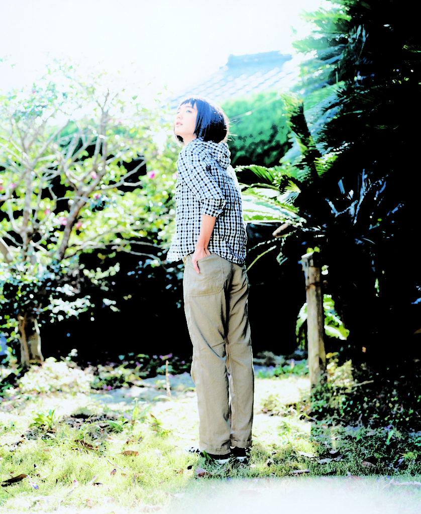 2010 DMG ドミンゴ ss 女性モデル 日本人